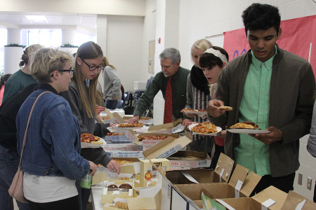 Photo of the Day: Senior Pizza Party