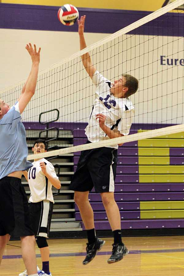 mb 4_1 boys varsity volleyball (2)