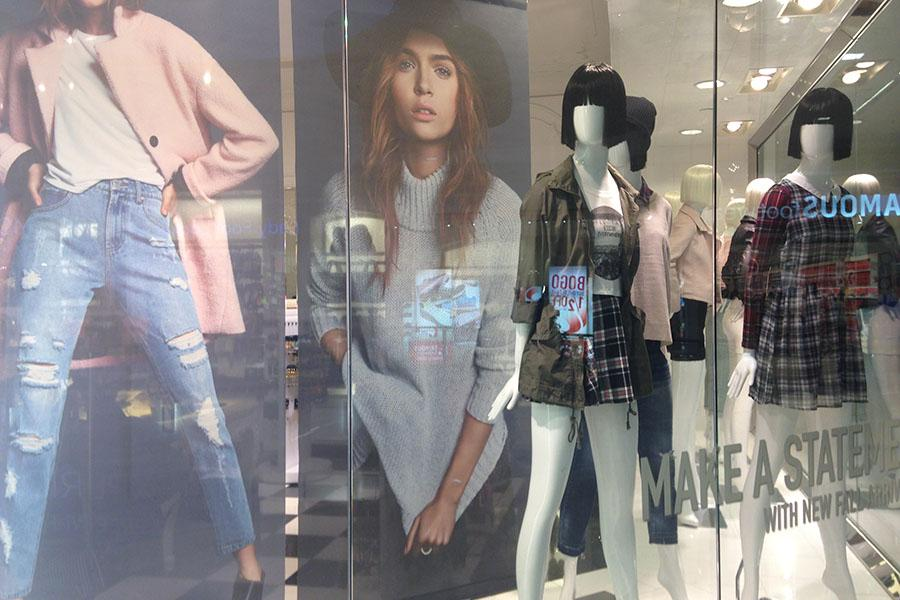 Fall+Fashion+is+hitting+the+scene+at+Forever+21+in+the+Chesterfield+Mall.+