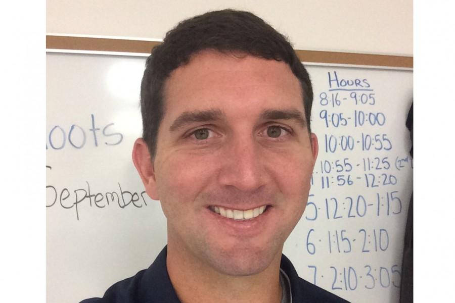 Mr. Hoots takes a selfie.