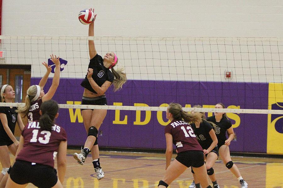 SM 8_27 girls varsity volleyball v summit HUB