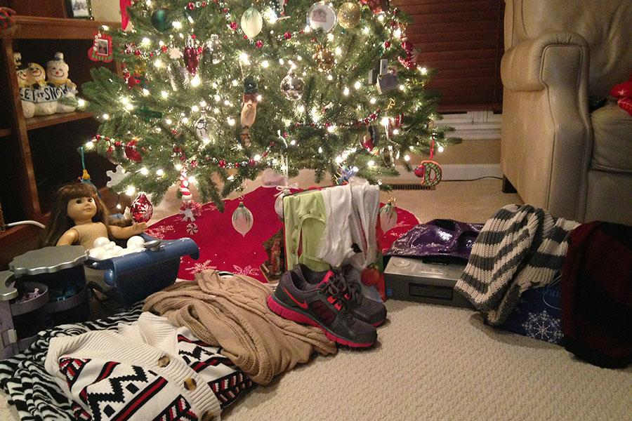 Gifts+await+the+five+sisters+underneath+my+family%27s+Christmas+tree%2C+Dec.+8.+I+look+forward+to+wrapping+more+for+them.