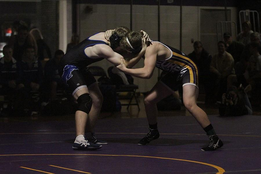 Kyle+Dickhaus+%28182+lbs%29+fights+to+take+down+his+opponent+from+Northwest%2C+Jan.+28.