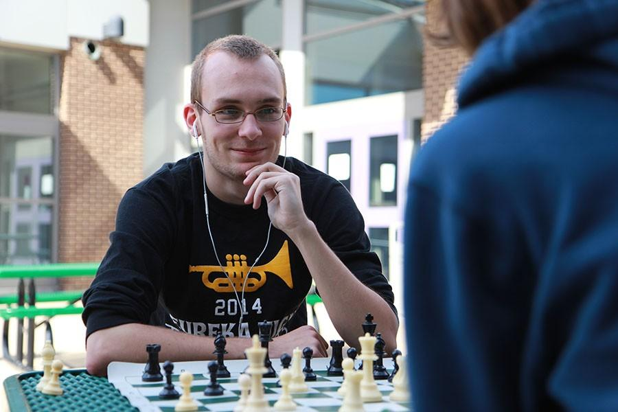 Andrew+Peraino+%2812%29+plays+at+Chess+Club%2C+March+30.
