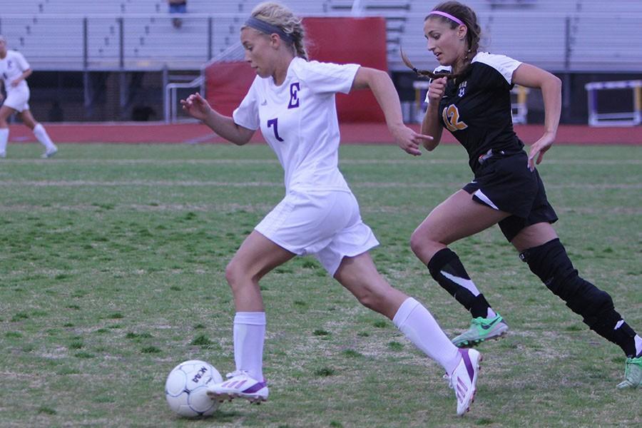 EH 4_1 girls varsity soccer v oakville HUB