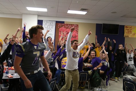 Seniors celebrate winning the lunch time activity, Oct. 1.