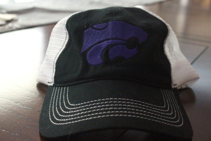 Students+are+allowed+to+wear+hats+through+the+hallways+of+EHS.